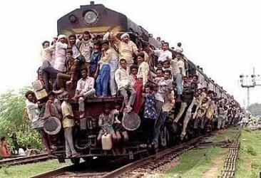 Zug mit Menschen