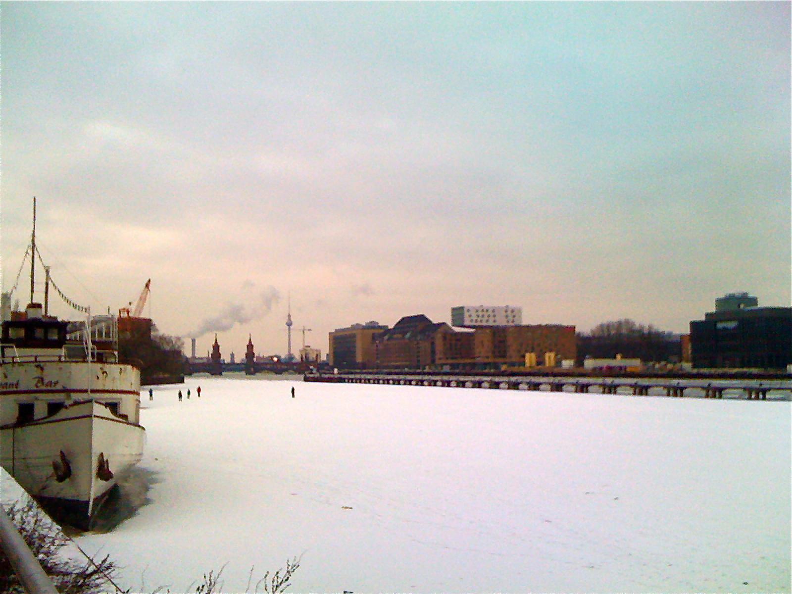 Frozen Spree, Berlin w/ Oberbaumbrücke and TV-tower